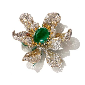 The Art Jewel 2019 Black Label Masterpiece II 'Marguerite' brooch with emerald, yellow and colourless diamond