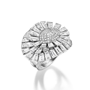 'Crazy Flower' ring with 12.54 ct diamonds in white gold