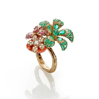 'Flowers on Coral' ring with emerald, ruby, diamond and coral in 18k yellow gold