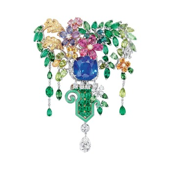 Haute Joaillerie brooch from the 'Dior à Versailles Cote de Jardins' collection with emerald, sapphire, diamond and peridot